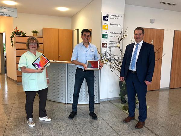Altenpflegeheim Kronberg Ewersbach, Übergabe an Herrn Jörg Krenzer und Frau Sabine Weyand